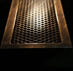 Бронзовая решетка на столешницу