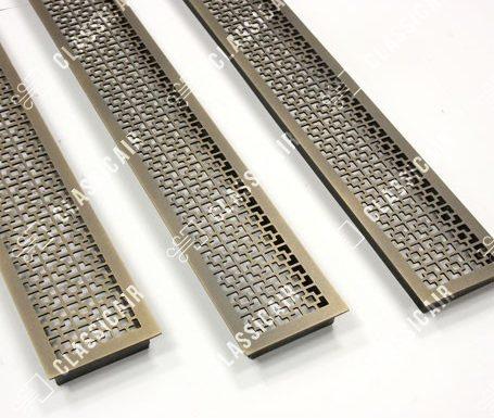 Решетка из состаренной латуни с эффектом затертости