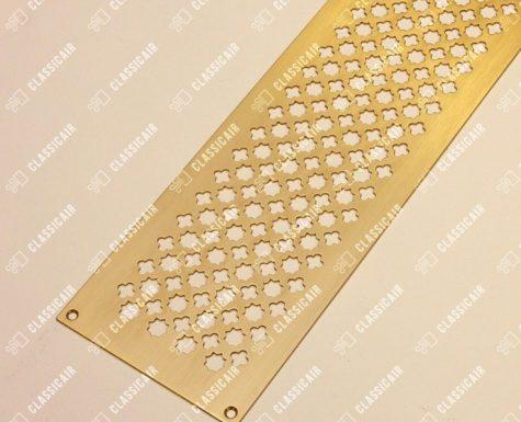 Матовая перфорированная панель из латуни